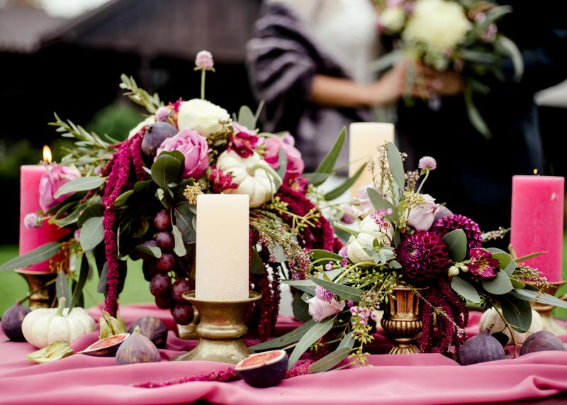 kolor-przewodni-slubu-i-wesela-purpurowy